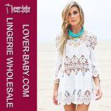 Frauen-weiße lange Hülse gestricktes Kittel-reizvolles Strand-Kleid (L38208)