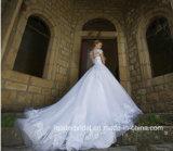 Le chapeau gaine la robe de mariage de luxe nuptiale de Tulle de lacet de robe de bille 2017 G17288