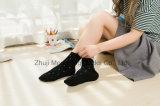 Concevoir qualité de type doux de chaussettes de coton de fille la bonne