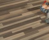 Pavimentazione laminata impermeabile del Ce lucido di rivestimento HDF