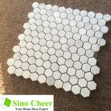 Мрамор Carrara самомоднейшей конструкции белый хонинговал плитку мозаики шестиугольника