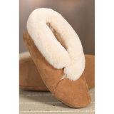 La pelle di pecora merino pura dell'Australia calza i pistoni domestici molli