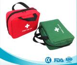 屋外の存続キット赤い緊急袋の車旅行のための昇進の救急箱