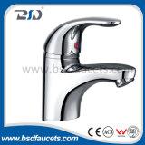 Faucet смесителя раковины ванной комнаты кухни шарнирного соединения ручки латунного крома одиночный