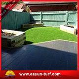 30mm Höhen-dekorativer synthetischer Gras-Garten für Ausgangs-und Garten-Rasen