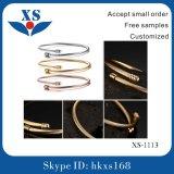 18k het goud plateerde Buitensporige Armbanden met Goedkope Prijs