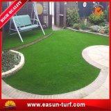 Alfombra artificial de la hierba de los niños para jugar de los niños