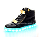 O diodo emissor de luz Shoes/LED Shoes/LED de piscamento dos adultos calç as sapatilhas
