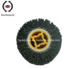 車輪(粉砕の専門家)を引っ張る黒ダイヤ
