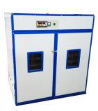 機械を工夫している商業太陽卵の定温器2112容量の熱い販売の家禽は定温器に卵を投げつける