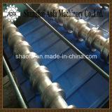 Machiheを形作る屋根ふきのパネルロール