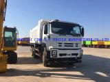 Isuzu 6X4 덤프 트럭과 팁 주는 사람 트럭