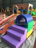 Gioco molle dei bambini dell'interno del centro ecologico di assistenza all'infanzia