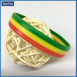 Bracelet promotionnel de mode de silicones de cadeau estampé par couleur