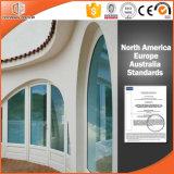 Ventana de madera revestida de aluminio esmaltada doble de la parrilla del diseño del arco, ventana de aluminio de la especialidad de la rotura termal revestida de madera sólida
