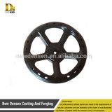 Roda de mão feita sob encomenda da carcaça do ferro para a maquinaria agricultural, volante do ferro de molde