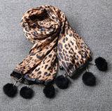 Caduta & Winter Fashion Leopard Print Scarf Lady Figure Rabbit Fur Long Scarf con Balls Women Shawl
