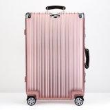 Aluminiumgepäck mit rosafarbener Farbe