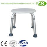 Sicherheits-weißer Krankenhaus-Dusche-Stuhl mit den Beinen