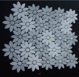 Tuile de mosaïque de marbre en pierre normale de modèle de jet d'eau de tournesol