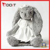 Le lapin de peluche a bourré le jouet de peluche de modèle de dessin animé de jouet de peluche