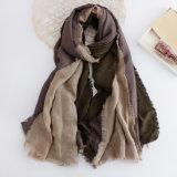 As mulheres formam o lenço do algodão da cor do bloco de tom 3 (YKY1134)