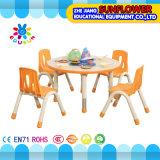 Da tabela plástica do estudante da cadeira mesa redonda de levantamento
