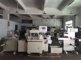 自動ロールフィルム、泡、ステッカーのラベルの型抜き機械および熱い押すこと