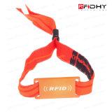 8k modifica senza contatto del cinturino del braccialetto del Wristband del silicone di prezzi RFID