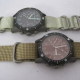 As forças armadas prestam atenção ao multi relógio da função Metal o relógio