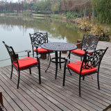 Таблицы и стулы металла напольного патио мебели сада литого алюминия установленные