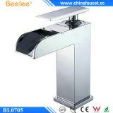Beelee Bl0705 kiest de Tapkraan van de Badkamers van de Waterval van het Messing van de Hefboom uit