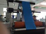 Máquina cortando da folha quente