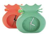 子供のかわいい漫画のウサギの形の多彩なロゴによって印刷されるシリコーン表の目覚し時計