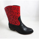 Signora Flat Boots con il reticolo di Fachion