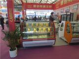 Europäische Art-Kurven-Glasbäckerei-Kühlvorrichtung-Kuchen-Schaukasten im Supermarkt