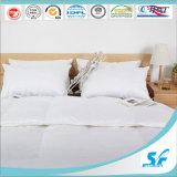 Luxe Donw zoals het Dekbed van het Bed van het Hotel van de Vezel