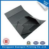 Boîte-cadeau rigide de papier de luxe faite sur commande avec la configuration gravée en relief