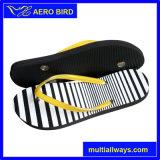 Sandalo variopinto del PE della stampa con i branelli sulle cinghie