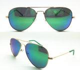 Sunglasses de fundición (una talla más pequeña)