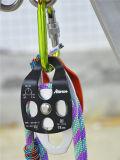 Alpinismo rampicante con la doppia puleggia del Flessibile-Lato