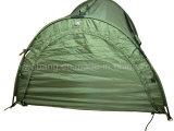 نوعية عسكريّة [فيش بوأت] مع خيمة خضراء
