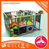 Patio de interior de los niños del castillo travieso plástico del juguete