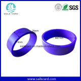 Bracelets programmables d'IDENTIFICATION RF de la Chine personnalisés par vente en gros