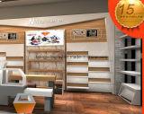展覧会のための靴店のウォール・ディスプレイの棚