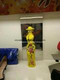 アルコール飲料のためのステッカーが付いている豪華な女性ボディ形のガラスビン