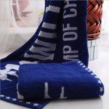 Le coton superbe de 100% folâtre des serviettes