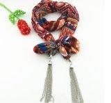 金属が付いている女性の方法綿のネックレスのスカーフはモロッコのペンダントを連鎖する