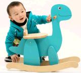 Dinossauro de balanço de madeira de muitas cores