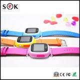 Le téléphone intelligent GPS de montre suivant la montre Q90 de gosse badine la montre intelligente avec le repère Smartwatch Anti-Détruit par traqueur du WiFi GPS de GPS GM/M GPRS